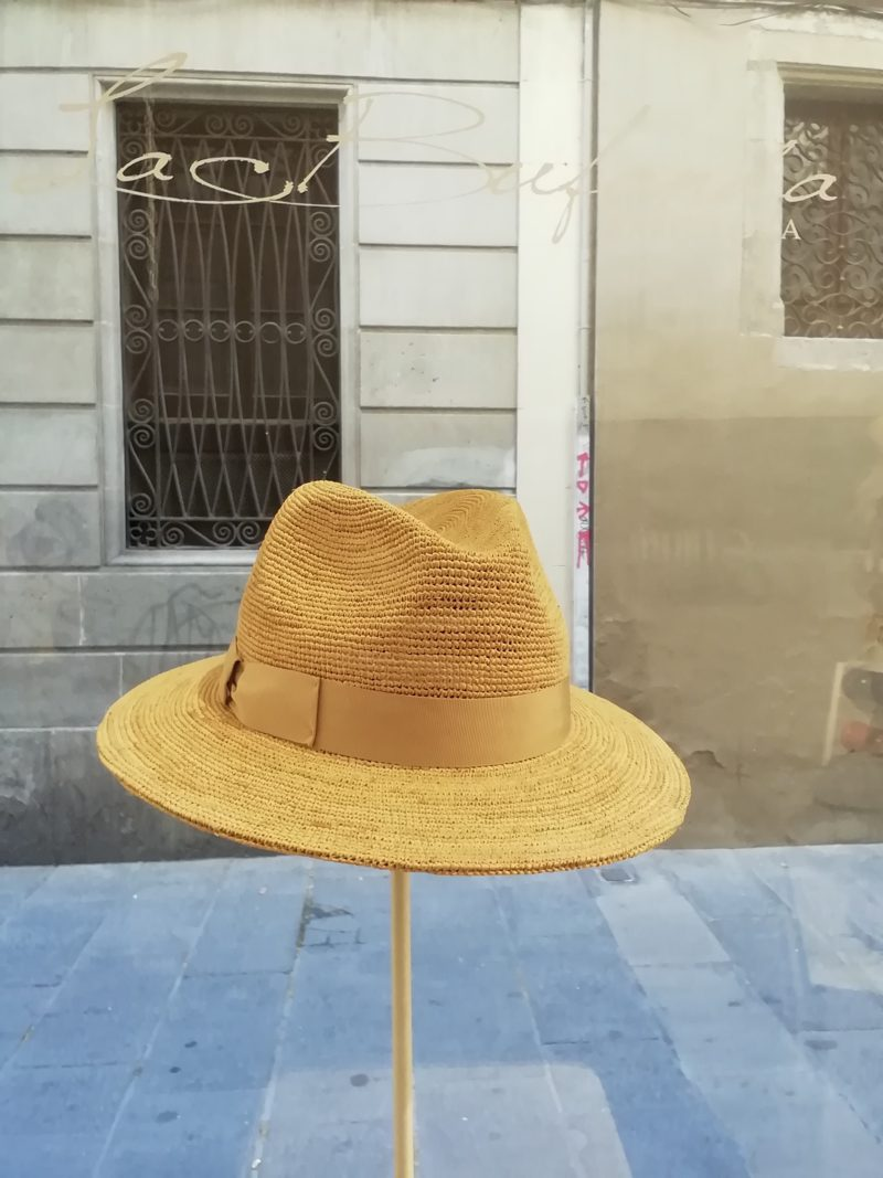 Fedora hat. Natural hamp with cream band. Foldable hat