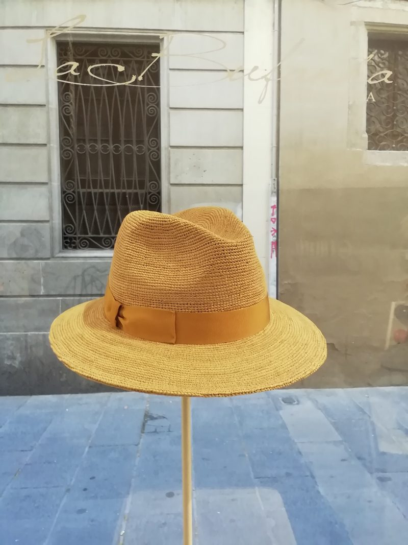 Fedora hat. Natural hamp with blue band. Foldable hat