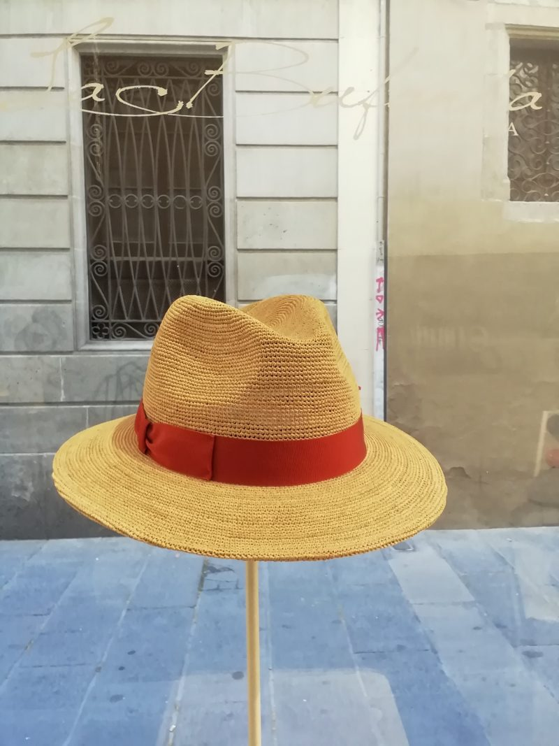 Fedora hat. Natural hamp with red band. Foldable hat