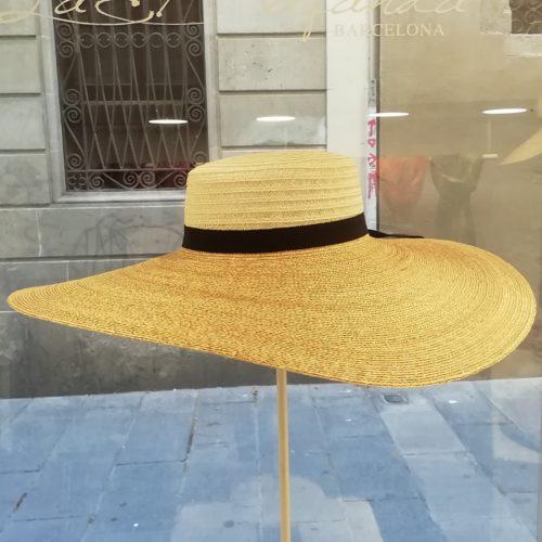 Grevi. Maxi Pamela. Artisan natural hat.