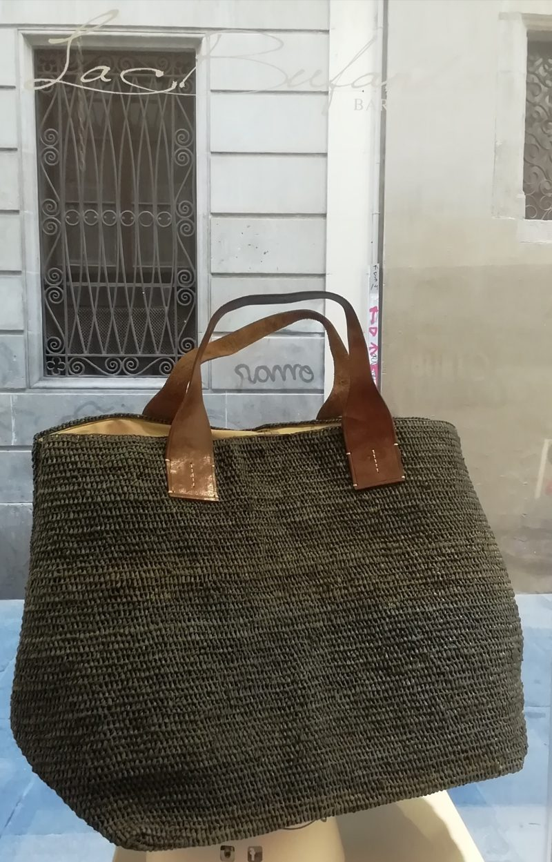 Shopper bag by Ibeliv. Handmade in natural raphia colour grey . Extra size