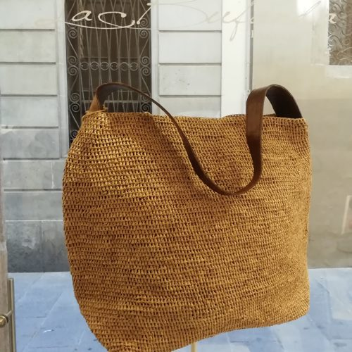 Shoulder bag by Ibeliv. Handmade in natural raphia colour natural. Extra size