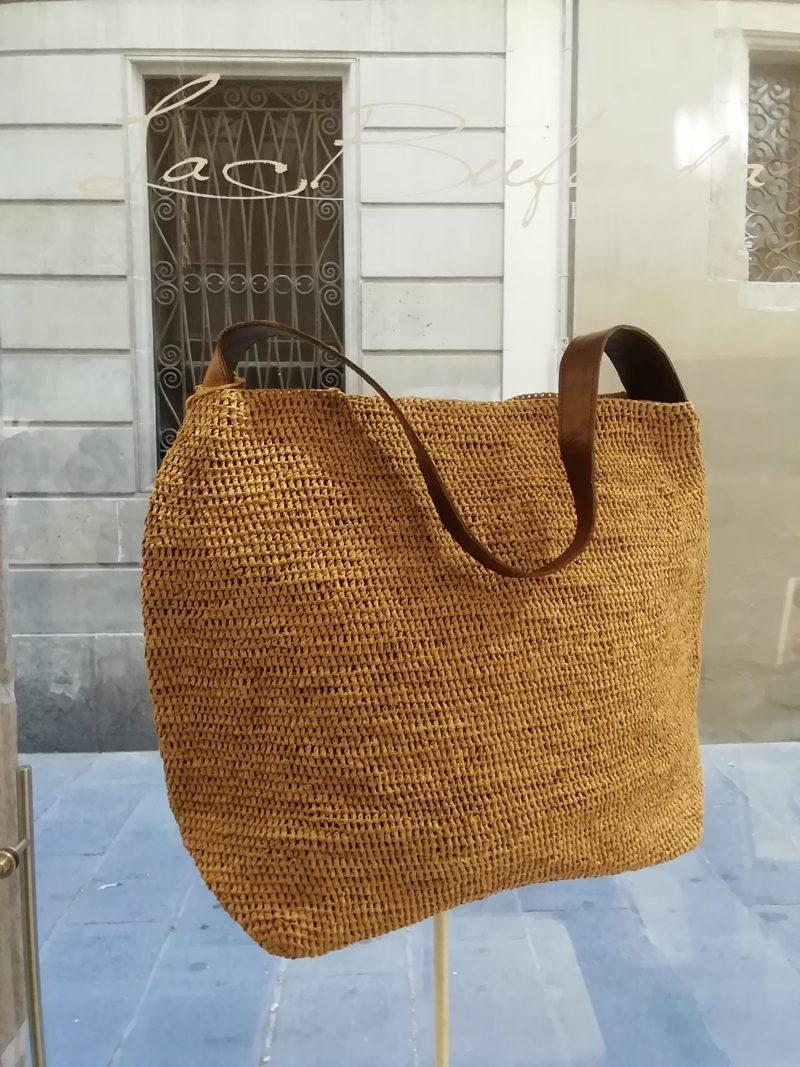 Shoulder bag by Ibeliv. Handmade in natural raphia colour natural. Extra size