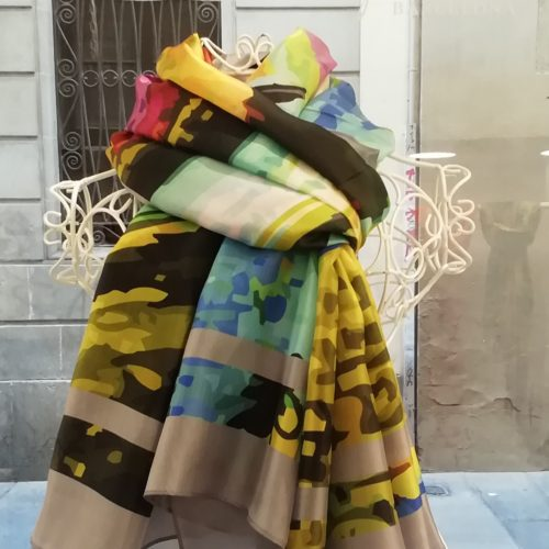 Silk scarf. La Bufanda design. Multicolor grey datail