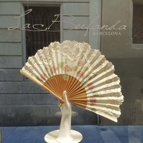 Malvi-handmade-fan-hand-painted-with-flowes-natural-color