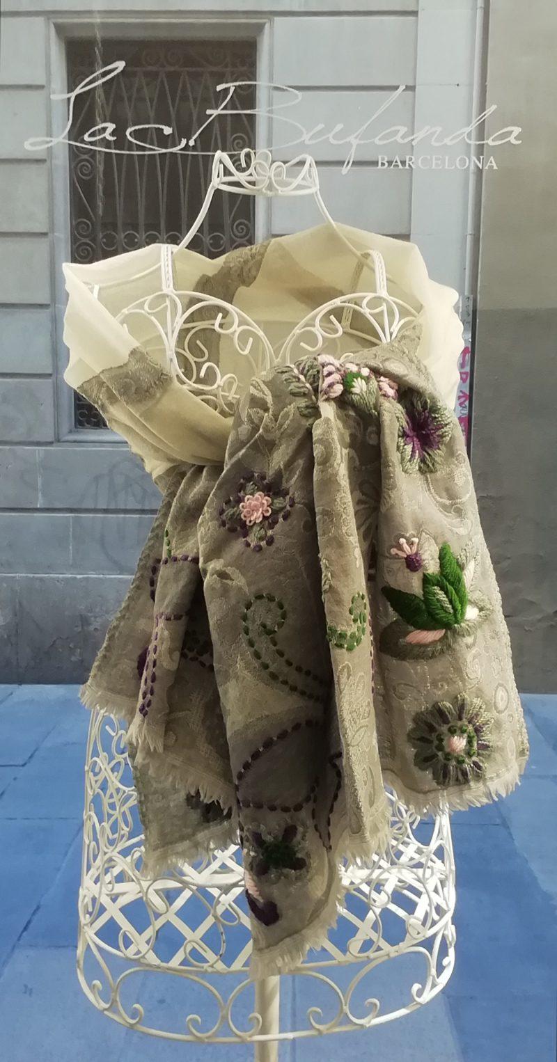 Embroidery-grey-merino-scarf-handmade